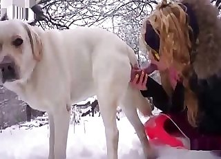 Shades-wearing unexperienced sucking dog cock